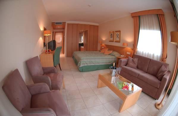 Van der Valk Hotel Barcarola - Sant Feliu de Guíxols - Image 3