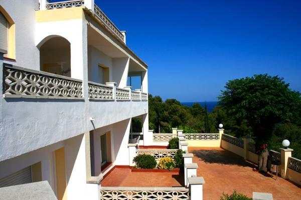 Apartamentos Famara - Lloret de Mar - Image 3