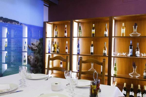 Hotel Restaurant Sant Pol - Sant Feliu de Guíxols - Image 8