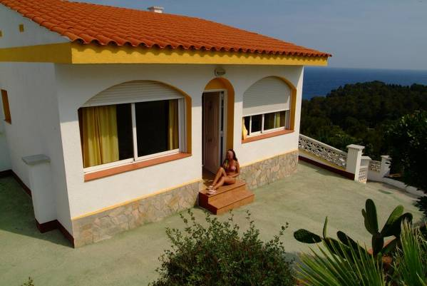 Apartamentos Famara - Lloret de Mar - Image 10