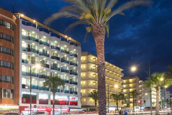 Blau Apartamentos - Lloret de Mar - Image 1