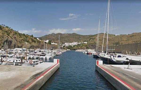 Portbou85add-portbou-port.jpg