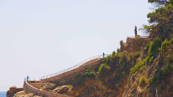 Dona Marinera monument Lloret de Mar