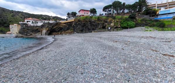 Els Morts beach Colera