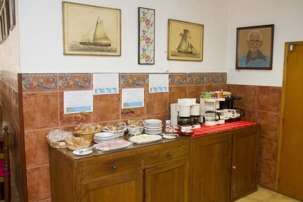 Hostal Ancora - Lloret de Mar - Image 4