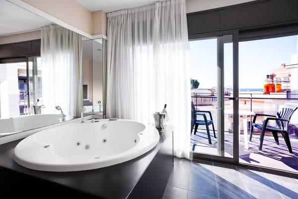 Hotel Acacias - Lloret de Mar - Image 1