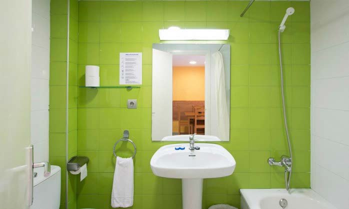 Studio bathroom apartment tossa de mar