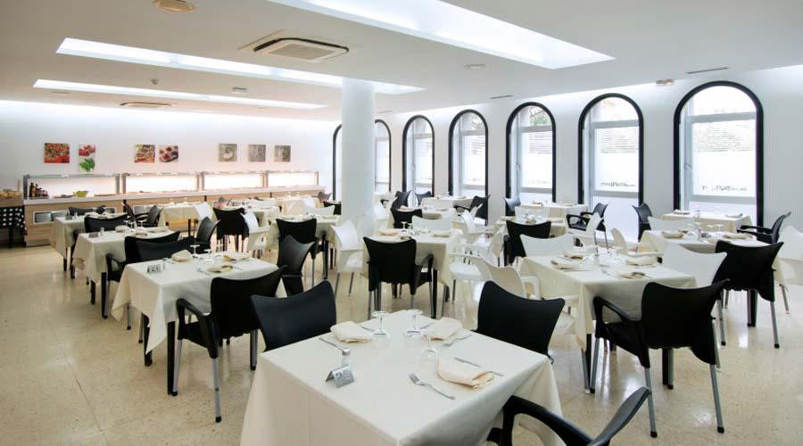 Restaurant- dinner hotel platja daro
