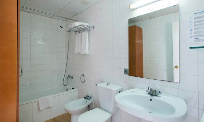 Bathroom apartment apartment tossa de mar