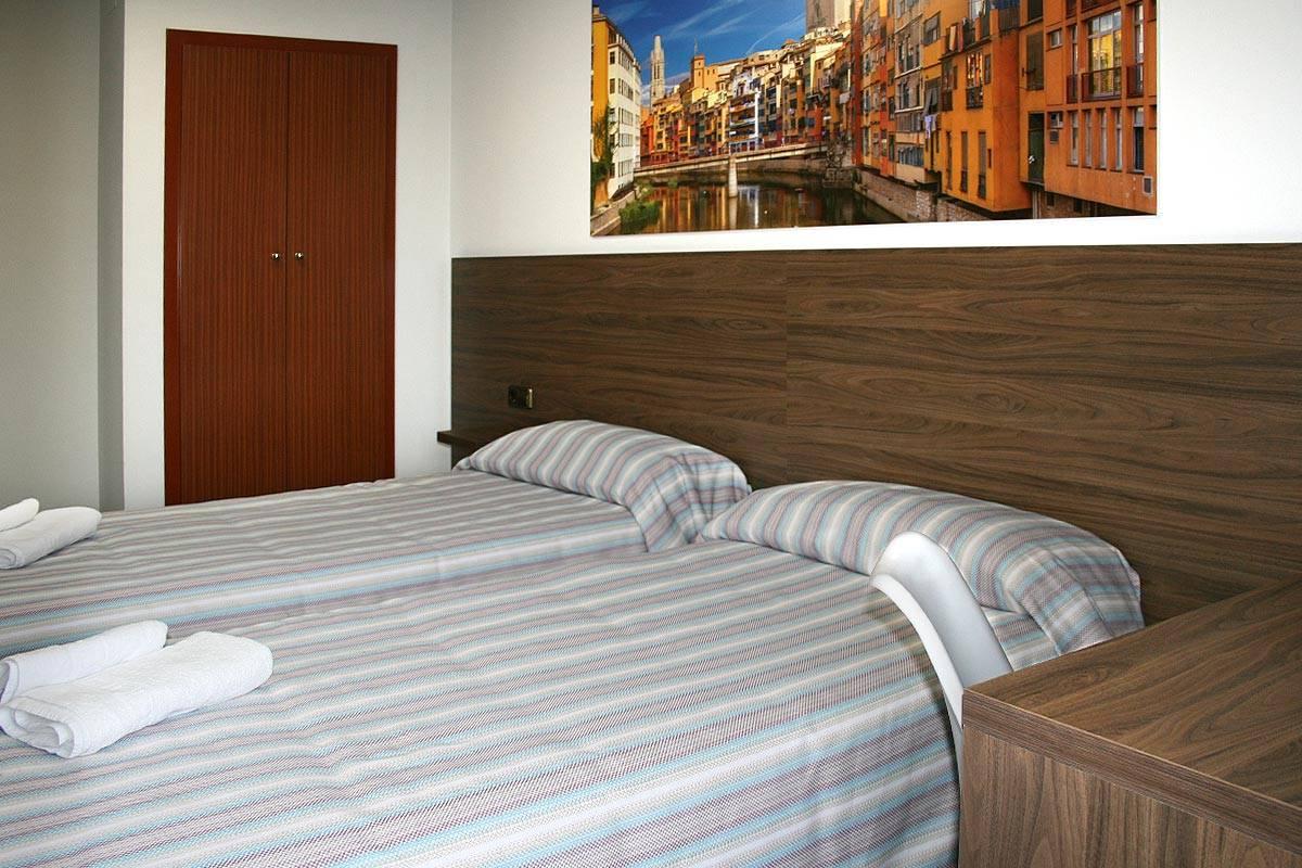hotel altamira girona habitación doble